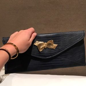 Lilly Pulitzer Navy Wristlet with Gold Bow- New
